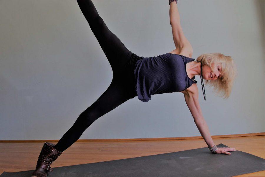 Ruthann Martin (pose)